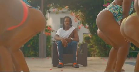 [Official Video] Naira Marley – Puta