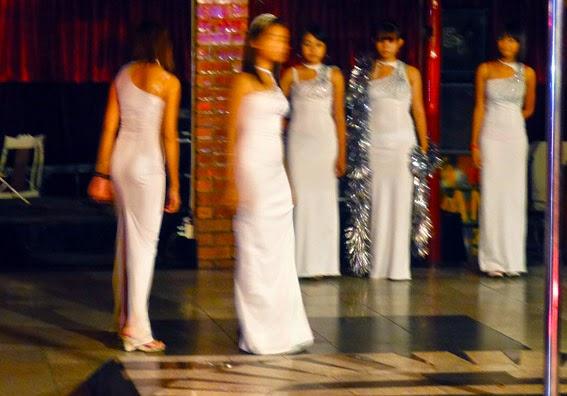 Nightlife Fashion show group (7)