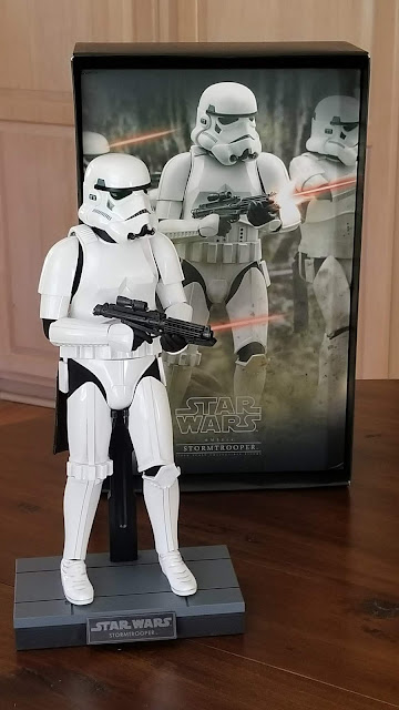 Hot Toys Collectible Star Wars Figure
