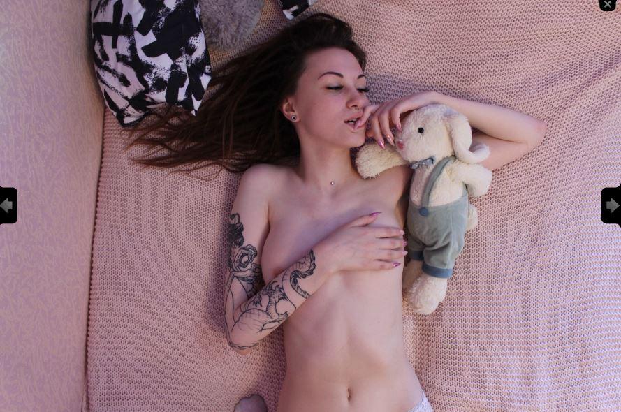 Naomi playfulcoldkitty Model Skype