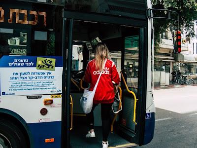 Tel Aviv inaugura serviço gratuito de ônibus durante o Shabat