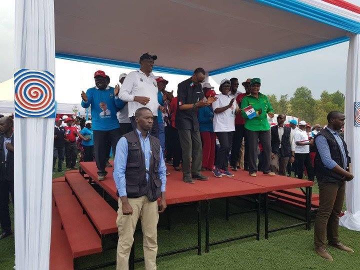 Paul Kagame wa FPR asabana n'abandi bo mu yandi mashaka PL,PPC, UDPL ,PSD ari nako yitegura kugenda