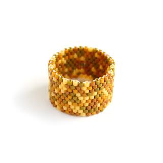 купить широкое женское кольцо ручной работы украшения из бисера
