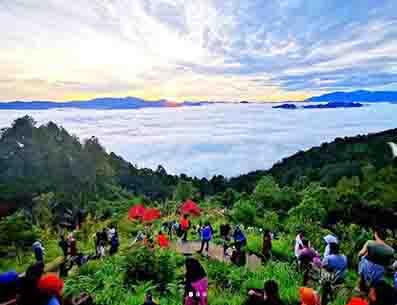 Wisata Lolai Toraja