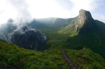 Wisata Gunung Kelud yang Indah dan Menakjubkan