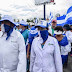 Médicos de Nicaragua esquivan el despliegue policial y protestan contra Ortega
