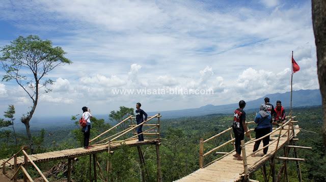 Gumuk Sapu Angin Blitar : Wisata alam Hits Terbaru, spot Selfie terbaik di Blitar