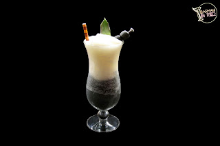 piña colada black and white