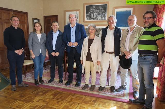 Pestana recibe al director del Gabinete de Presidencia de la Junta de Extremadura