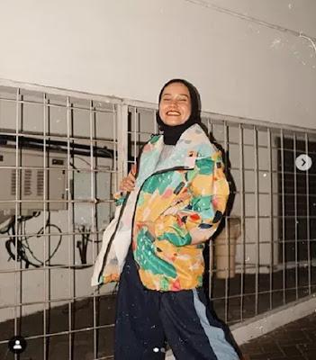 4 Padu Padan Hijab Gaya 90-an yang Bikin Kamu Makin Kece