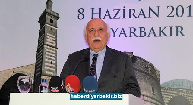 DİYARBAKIR-Çeşitli temaslarda bulunmak üzere Diyarbakır'a gelen Kültür ve Turizm Bakanı Nabi Avcı, sivil toplum kuruluşları ile iftar ve istişare toplantısında bir araya geldi.