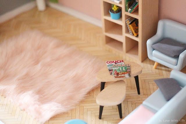 Puppenhaus renovieren DIY vorher nachher Wohnzimmer