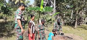 Satgas Yonif Mekanis 741/GN Laksanakan Program Bantu Kekurangan Air Pada Masyarakat Perbatasan