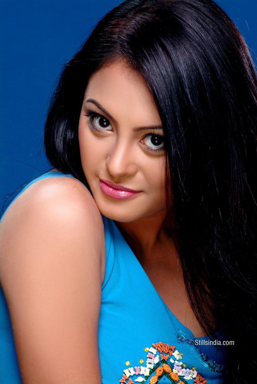 Actress Celebrities Photos Richa Gangopadhyay HD Hot in