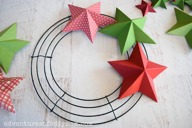 3d paper stars on metal wreath form