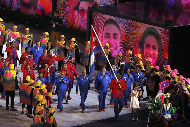Entrada delegacion de Cuba durante la ceremonia de apertura de los Juegos Olímpicos de Río de Janeiro, en el estadio olímpico Maracaná, Brasil,  el 5 de agosto de 2016.