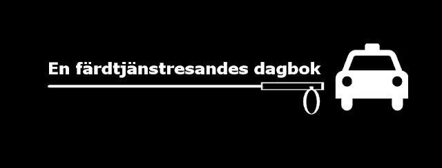 """Logga på svart bakgrund med vit text """"En färdtjänstresandes dagbok"""" tillsammans med vit schablon på en taxi och en vit käpp."""