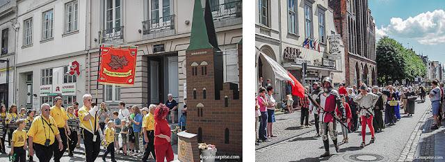 Desfile medieval pelas ruas do Centro Histórico de Lübeck, Alemanha