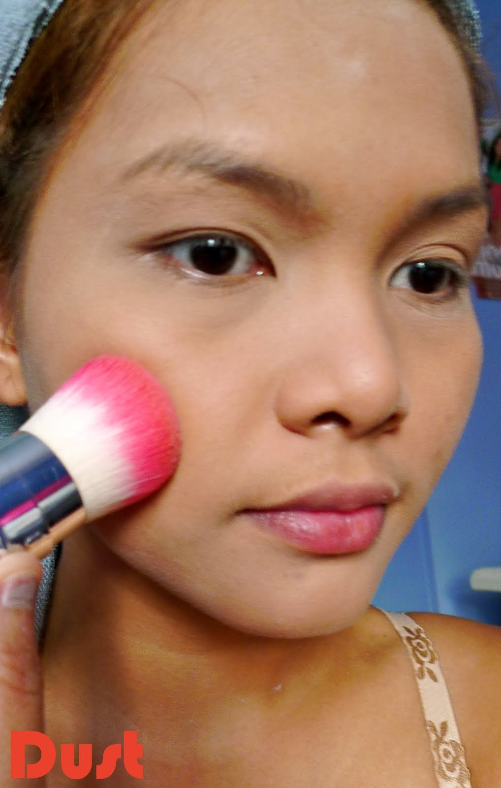 HOW TO: Apply Liquid Foundation Flawlessly