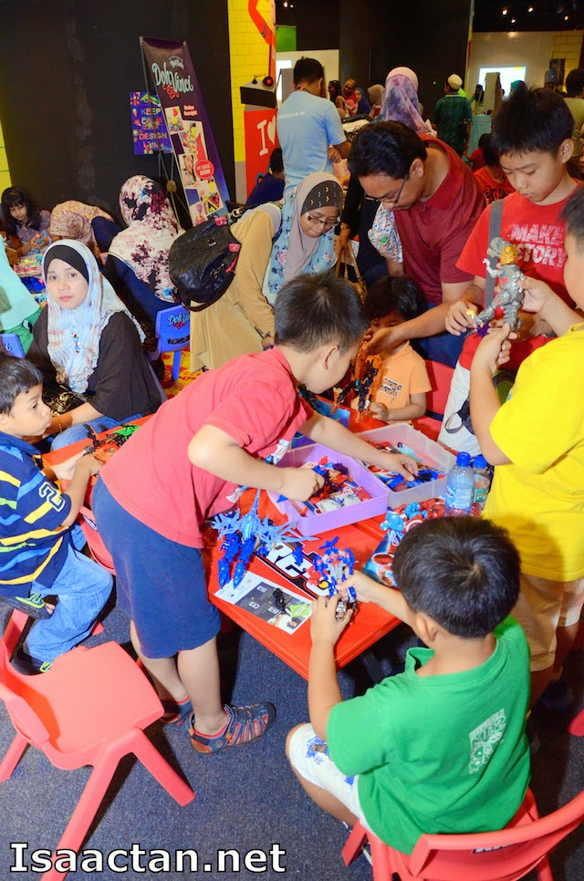 While waiting for the workshops to begin, your children will get to play at the Hasbro PLAY corner