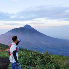 10 Tips Perlengkapan Persiapan Mendaki Gunung Tektok, Yang Wajib Kamu Siapkan