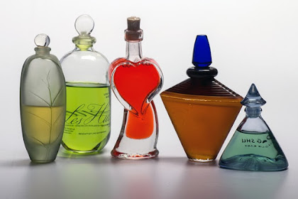 Parfum Wanita Best Seller Paling Disukai Wanita