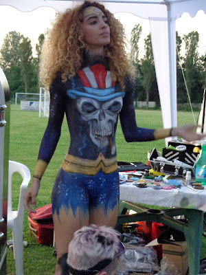 ragazza body painting