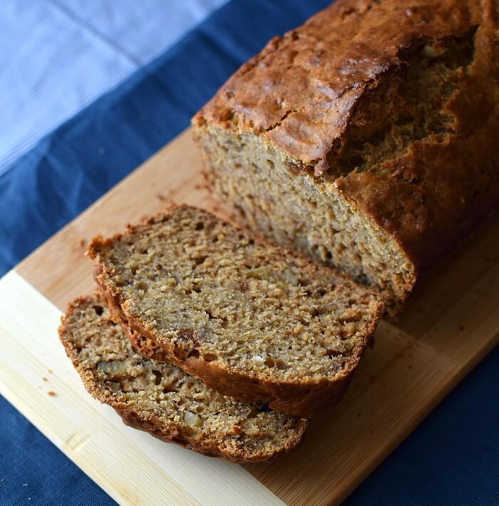 Receta fácil para preparar pan o bizcocho de banana, ron y especias