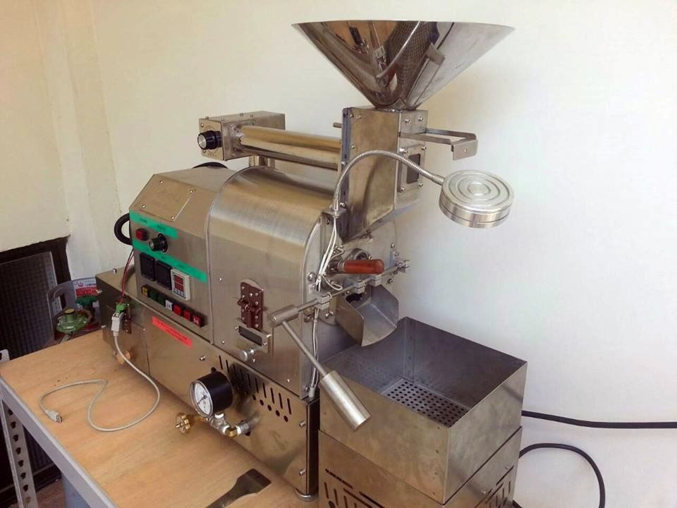 Nakayoshi 咖啡烘焙: 烘豆機進駐