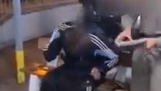 policial militar filmada tapa homem investigada