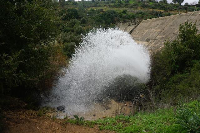 מים מסכר בית זית