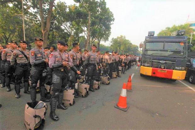 Harusnya Jokowi Copot Polisi yang Larang Demo saat Pelantikan Presiden