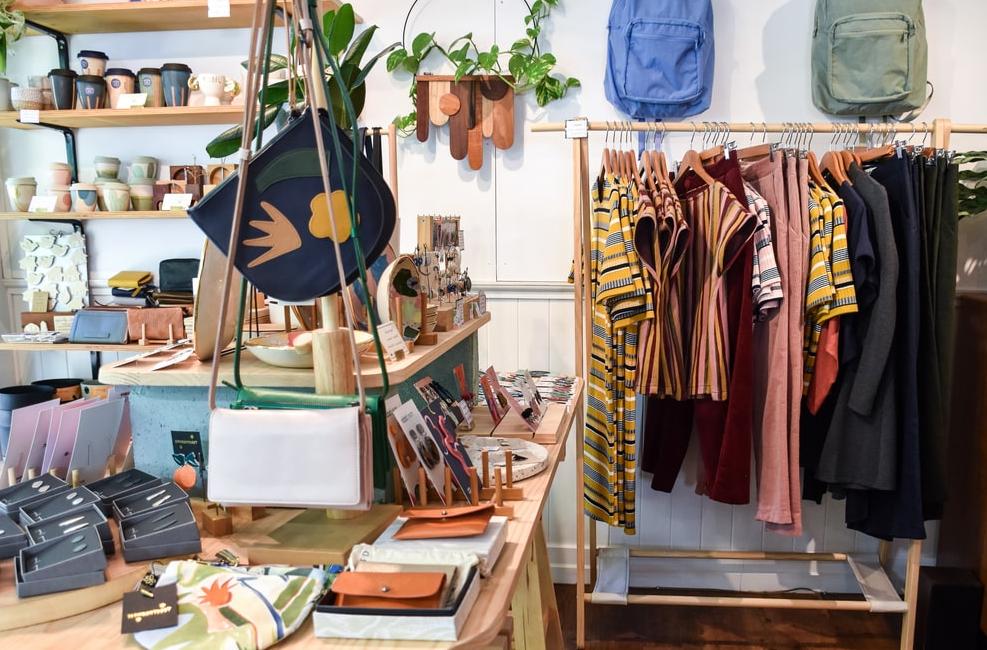 Manfaat & Keuntungan Berbisnis di Bidang Fashion / Busana