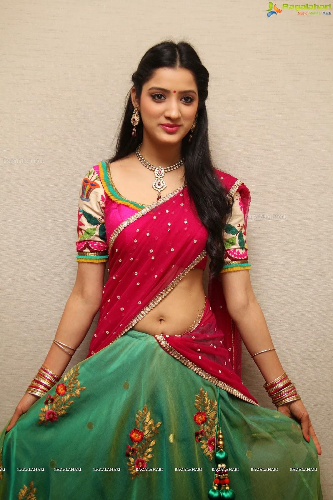 Saree Navel: Dressing Below Navel Saree: Richa Panai Hot Half Saree Navel