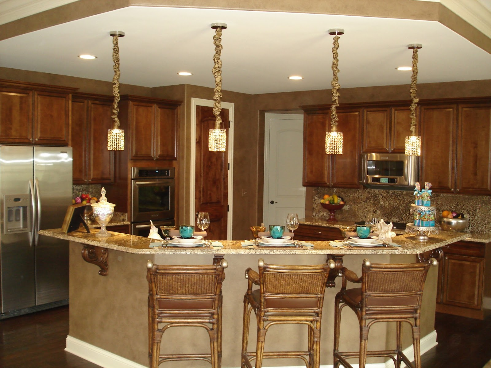 Kitchen Islands Add Beauty Function And Value To The: KLM Builders Inc.: Updating Your Kitchen: Popular Design