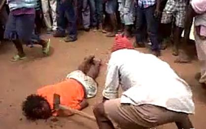 Mujer Asesinada a Golpes por Votar contra la Oposicion