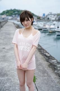 岡田奈々さんの水着