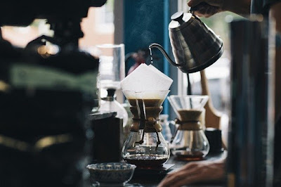 seperangkat alat pembuat kopi