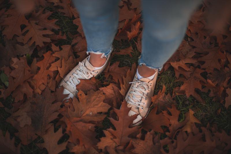 buty i liście