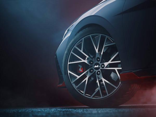 Hyundai Elantra N: sedã esportivo tem primeiras imagens teaser reveladas