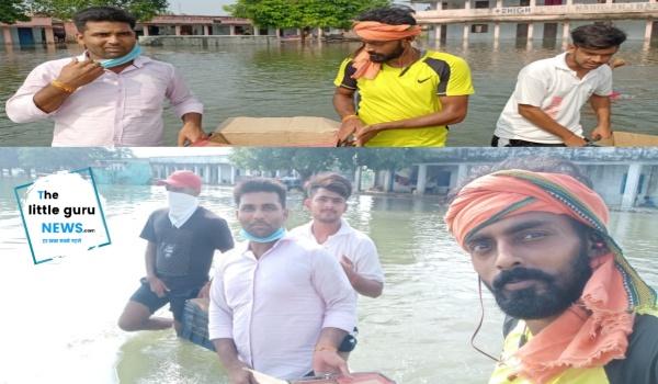 बाढ़ पीड़ितों की सेवा में जुटे हैं इस क्रिकेट टीम के खिलाड़ी