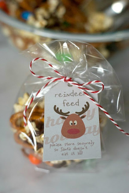 Reindeer Feed Snack Mix with Printable Tag