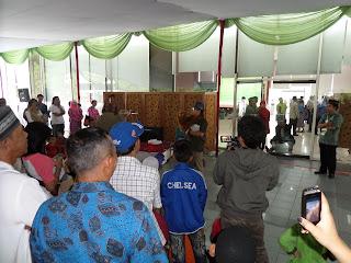 Kak Tony Sahabat Dongeng di Khitanan Masal Pertamina Pusat