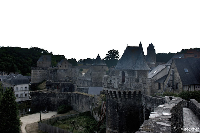 Vista panoramica delle fortificazioni di Fougeres