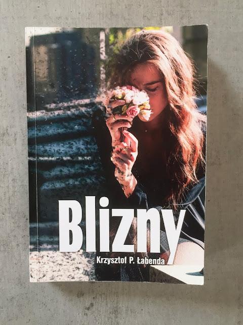 """Recenzje #86 - """"Blizny"""" - okładka książki pt. """"Blizny"""" - Francuski przy kawie"""