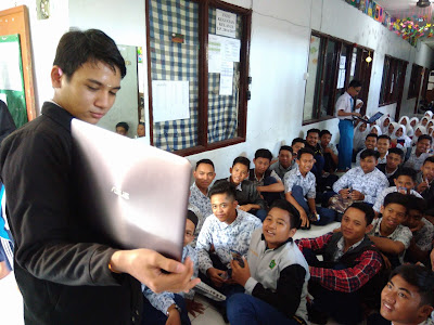 Kunjungan SMK TI Bali Global Denpasar ke MTs Al-Ma'ruf Denpasar