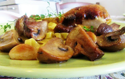 Pileći batak  sa šampinjonima / Chicken drumstick with mushrooms