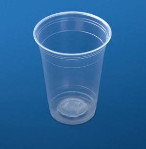 كوب بلاستيك شفاف
