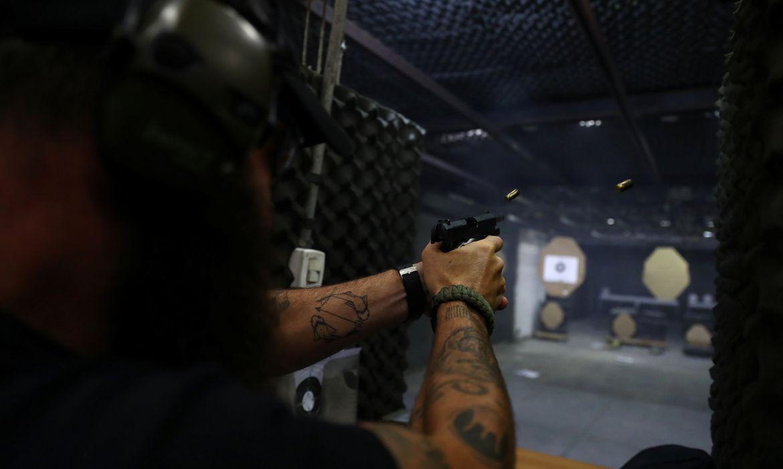 PF publica ato que autoriza comprar de até 4 armas sem exigência de documentos