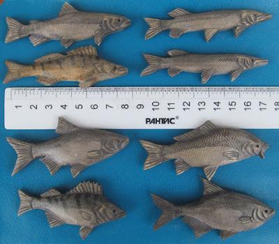 деревянные рыбки-игрушки